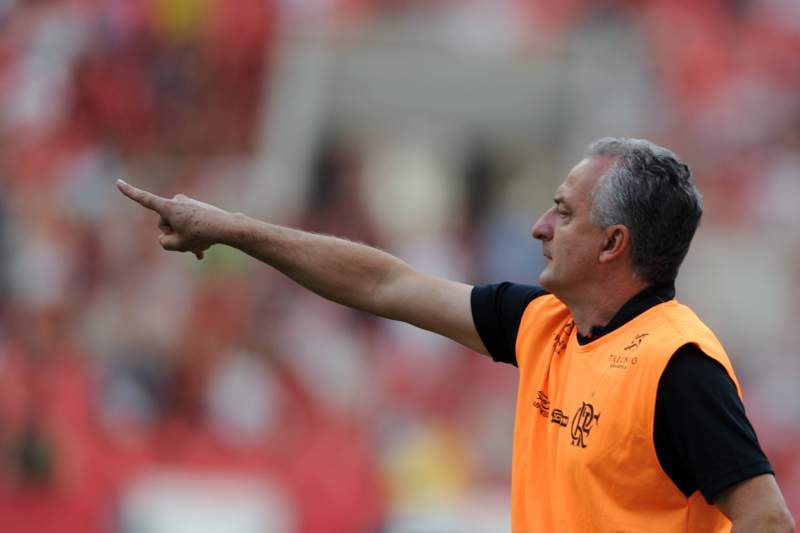 Osvaldo de Oliveira foi despedido antes da penúltima jornada do campeonato brasileiro