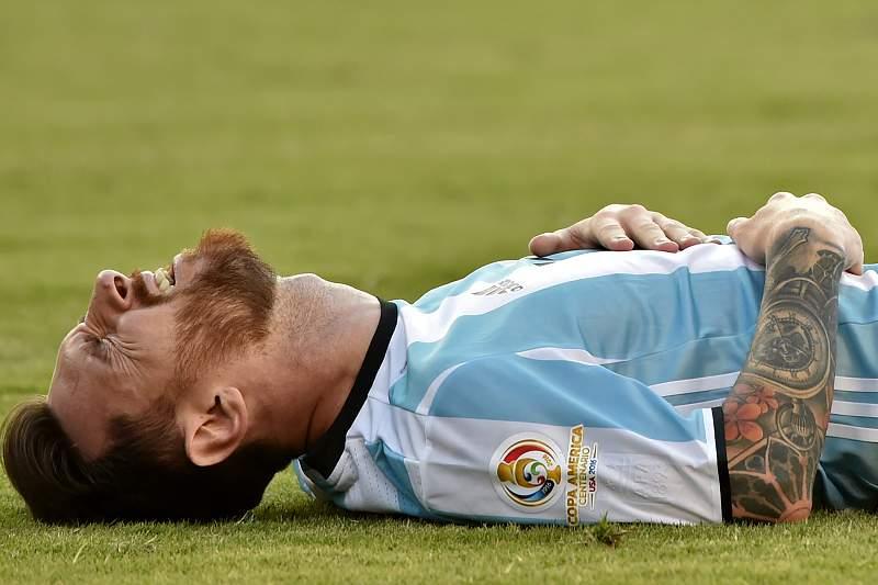 Messi anuncia adeus