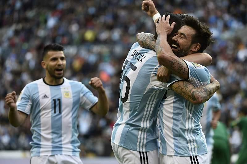Equipa da Argentina festeja um golo.