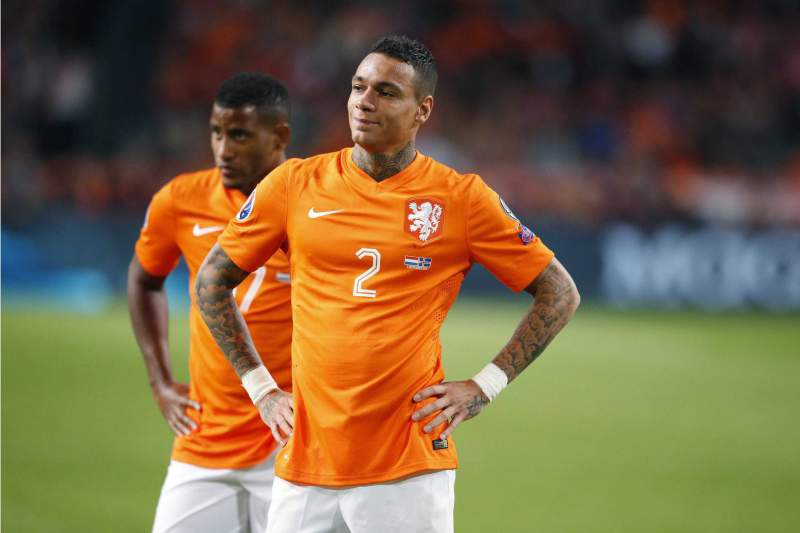 Gregory van der Wiel reage à derrota da Holanda