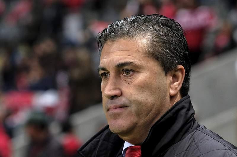O técnico luso tinha assinado um contrato válido por seis meses com o Al Sharjah em janeiro último.
