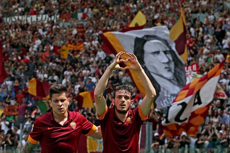 Alessandro Florenzi e Iturbe celebram um golo da Roma