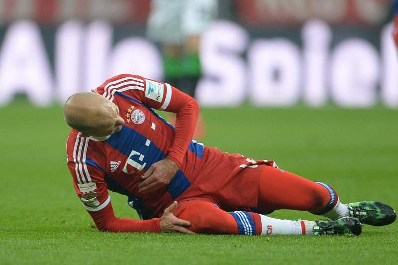 Arjen Robben mais uma vez lesionado