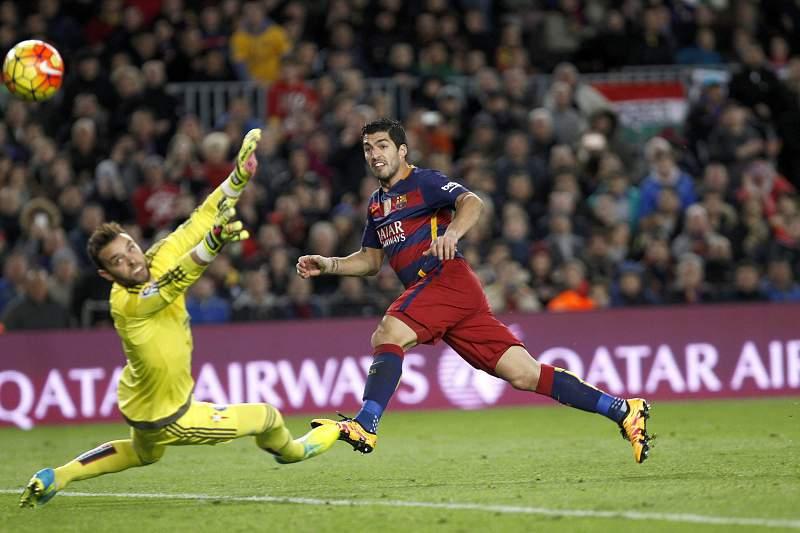 Luís Suárez marca pelo Barcelona