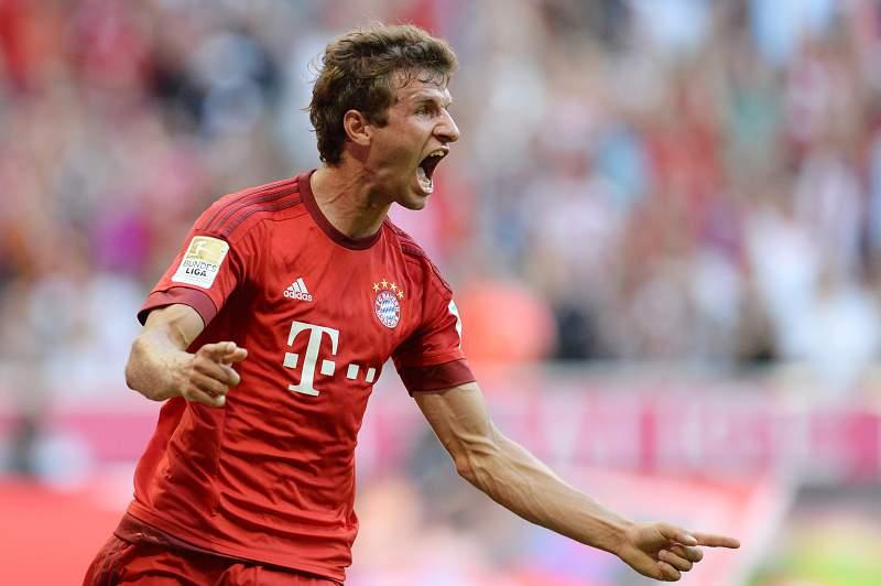Thomas Müller bisou frente ao Bayer Leverkusen