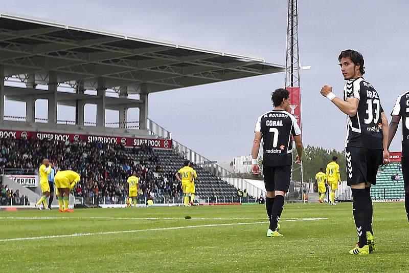 Jogadores do Nacional da Madeira celebram golo