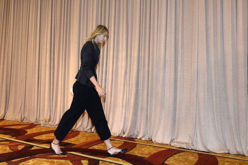Maria Sharapova abandona conferência de imprensa