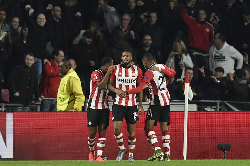 O avançado holandês Jurgen Locadia abriu o marcador para o PSV