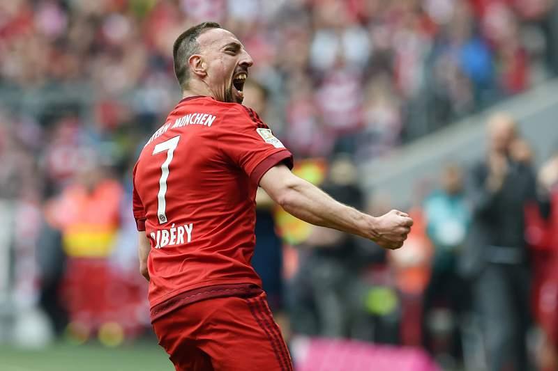 Golo de Ribéry dá triunfo magro ao Bayern Munique antes de receber o Benfica