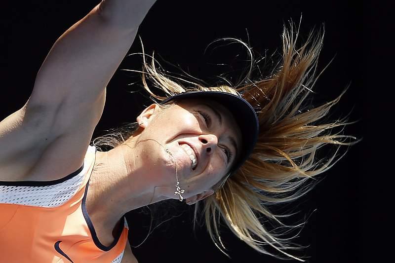 A tenista, Maria Sharapova da Rússia, durante a partida no torneio Australian Open, em Melbourne, Austrália. MAST IRHAM/LUSA