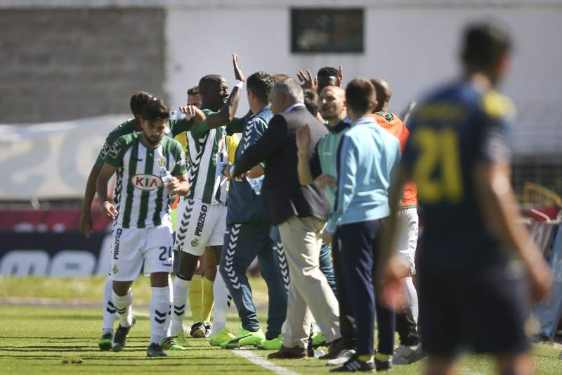 Edinho celebra um golo do Vitória de Setúbal frente ao Moreirense