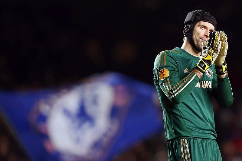 Arsenal sign Czech goalkeeper Petr Cech from Chelsea