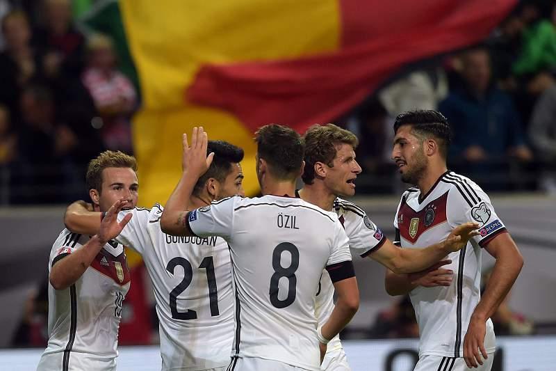 Jogadores da Alemanha celebram a vitória