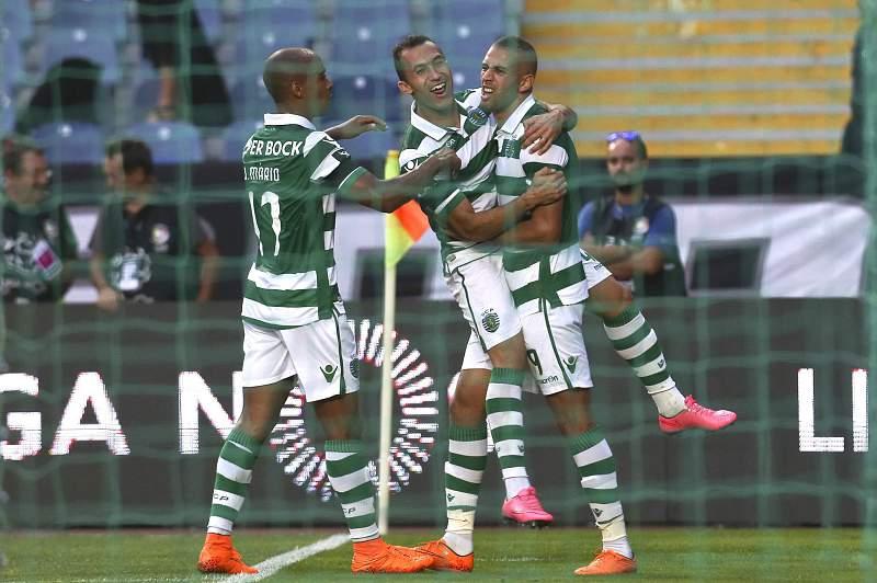 Sporting vence em Coimbra, sem Jesus na segunda parte