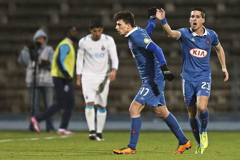 Juanto (D) celebra o golo ao FC Porto