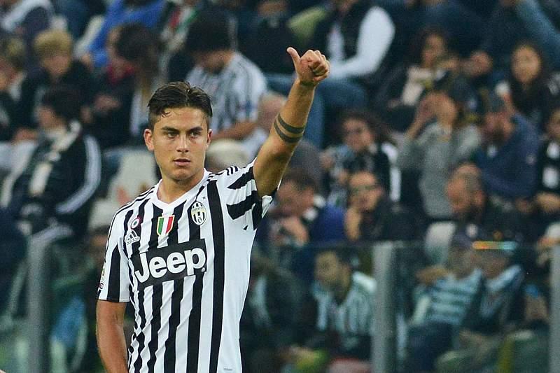 Paul Dybala celebra um golo da Juventus