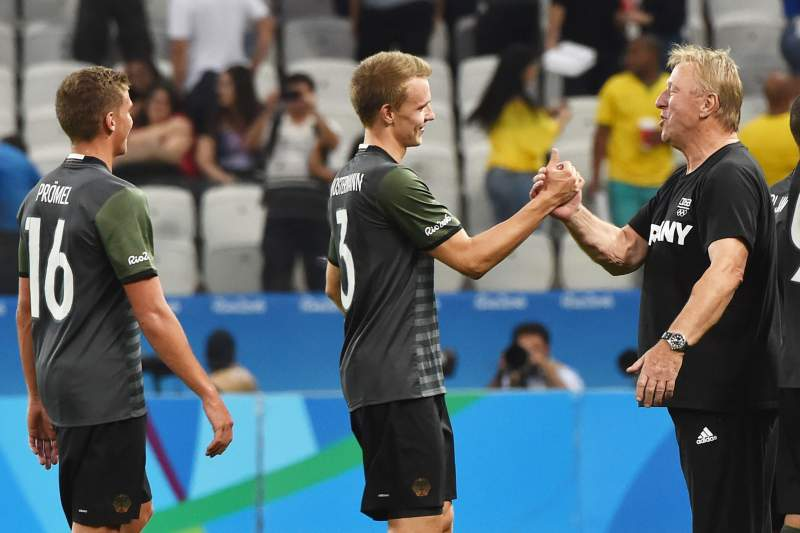 Alemanha vence Nigéria e disputa final com o Brasil