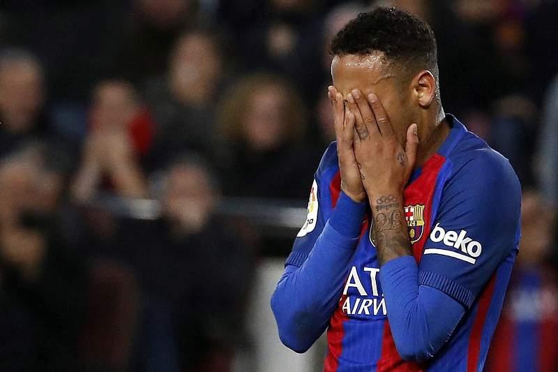 Neymar suspenso por três jogos