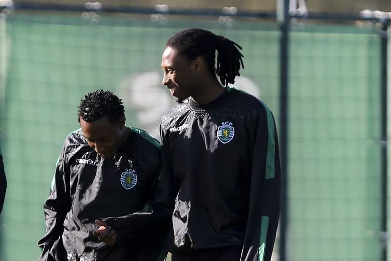 Gelson Martins e Rúben Semedo durante um treino em Alcochete.