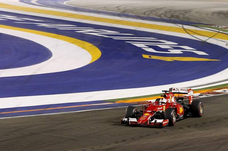 Sebastian Vettel em ação no GP de Singapura