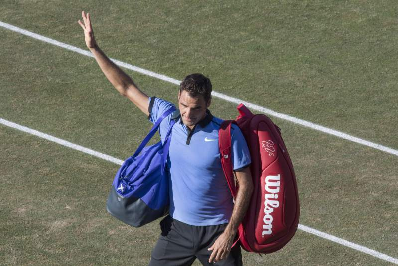 Federer cai em Estugarda frente ao veterano Tommy Haas