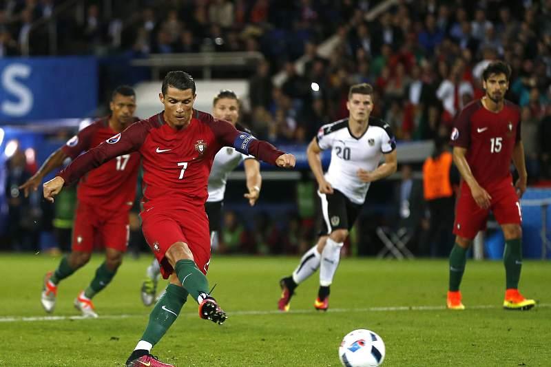 Ronaldo falha penálti