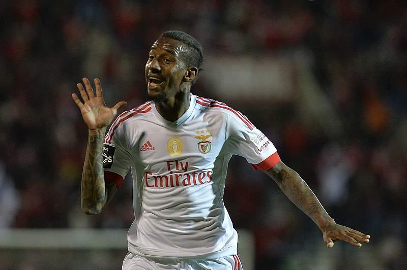 Talisca celebra o segundo golo do Benfica frente ao Marítimo
