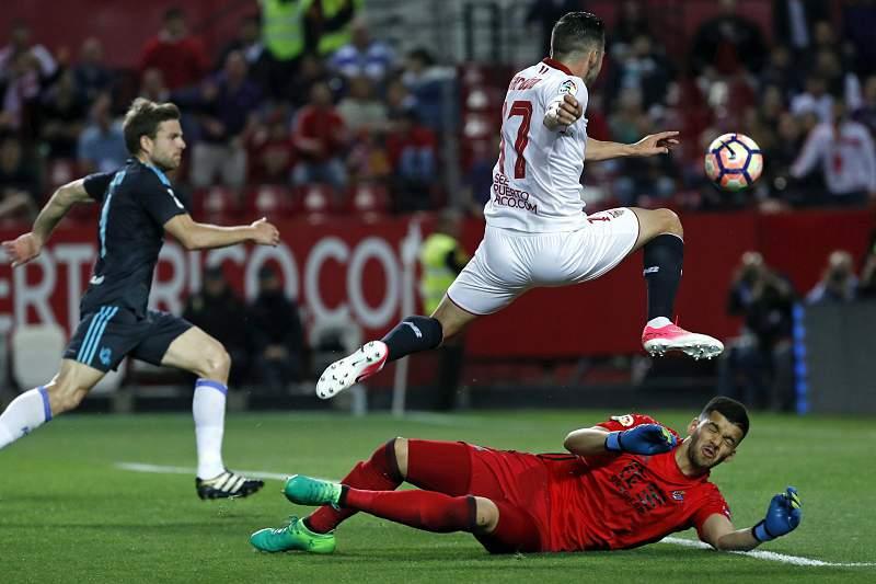 Pablo Sarabia abriu o marcador para o Sevilha aos 41 minutos