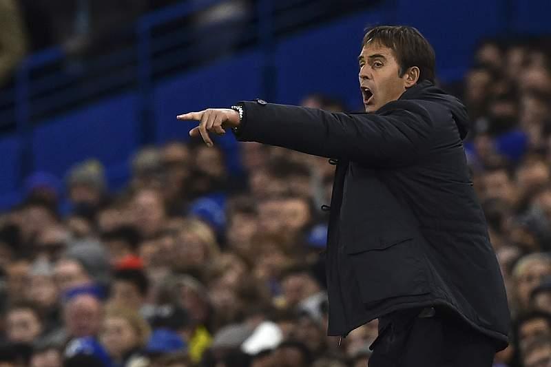Julen Lopetegui dá indicações durante o jogo entre Chelsea e FC Porto