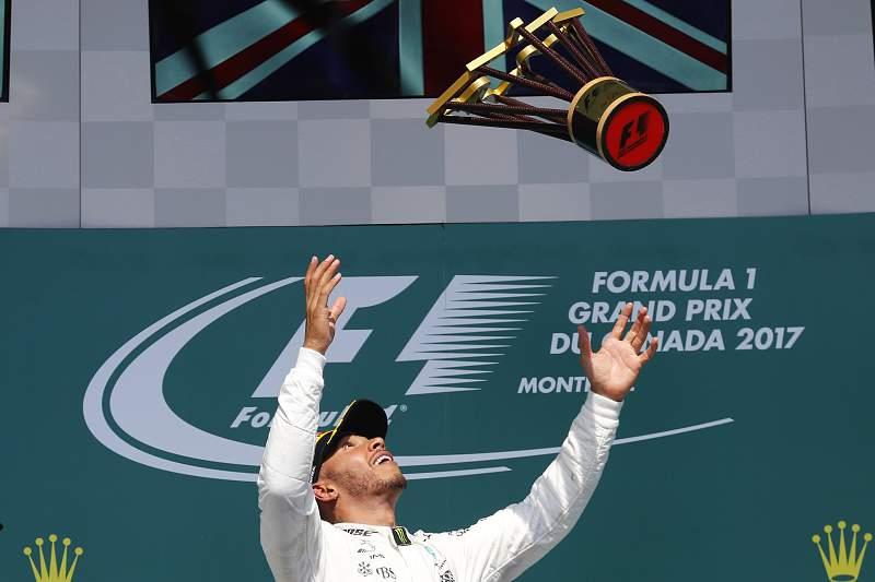 Hamilton levanta o troféu no Canadá