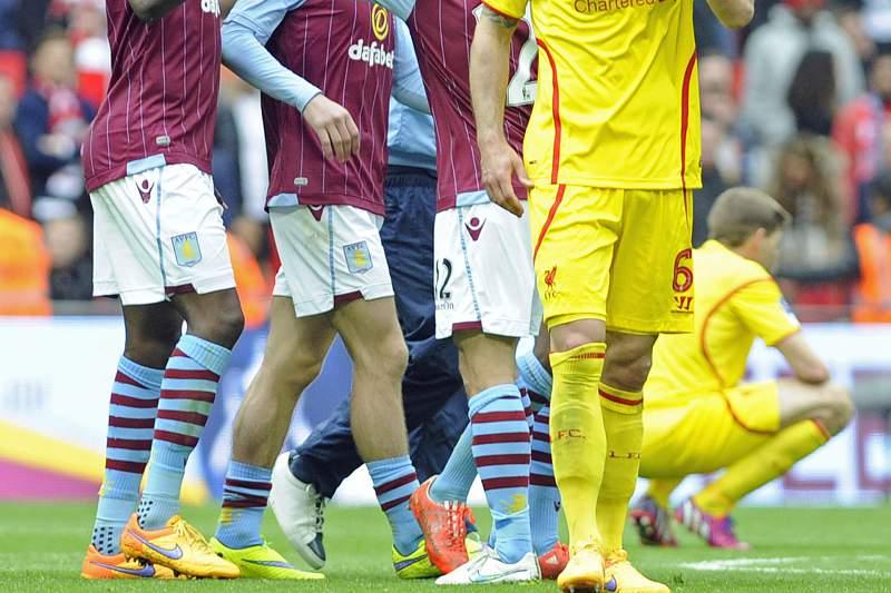 Aston Villa venceu o Liverpool por 2-1
