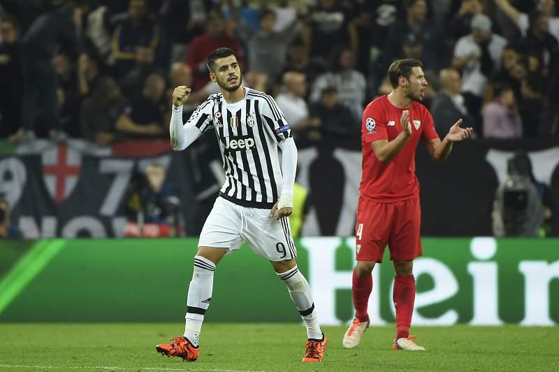 Alvaro Morata celebra um golo pela Juventus frente ao Sevilha