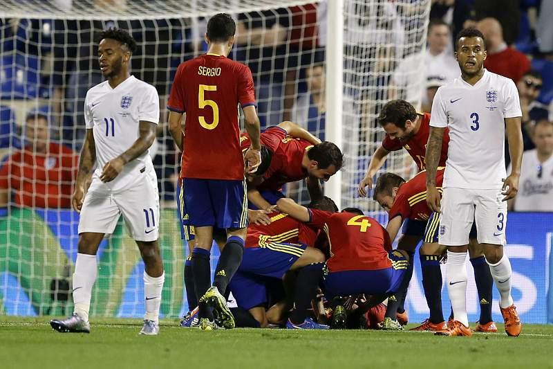 Espanha vence Inglaterra