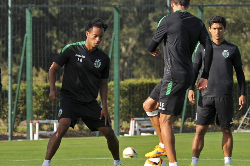 Carrillo num treino do Sporting