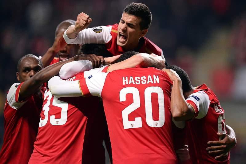 Jogadores do SC Braga celebram golo de Crislan
