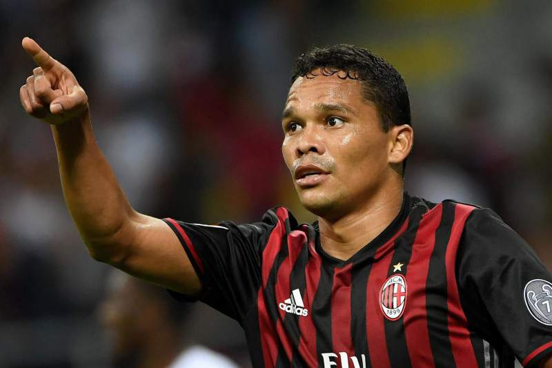 Carlos Bacca bisou frente à Lazio de Roma