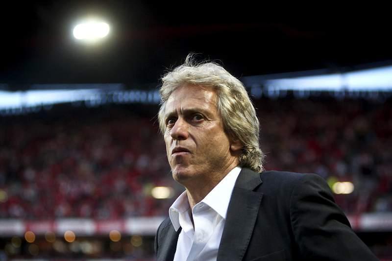 Jorge Jesus durante um jogo da Liga Europa do Benfica contra o SC Braga