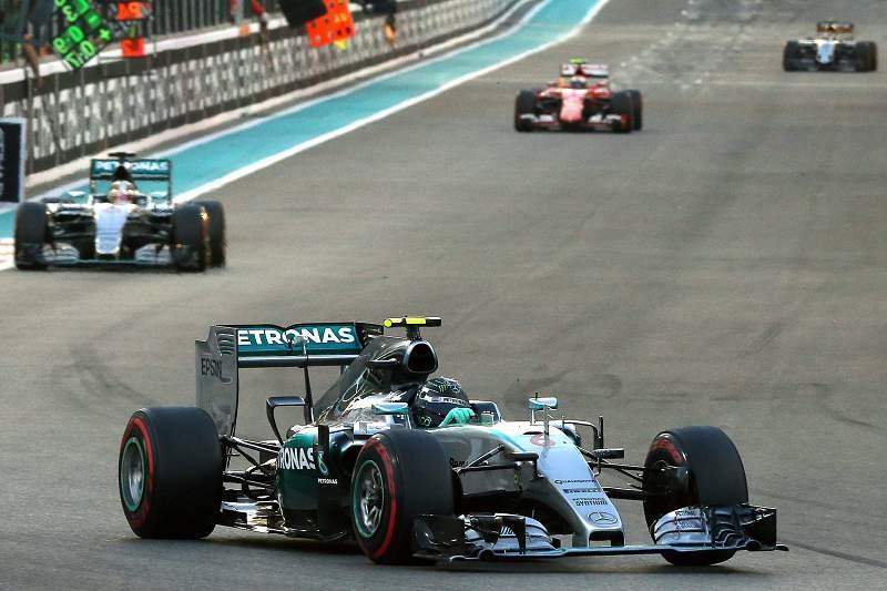 Nico Rosberg fechou 2015 com triunfo no Grande Prémio de Abu Dhabi