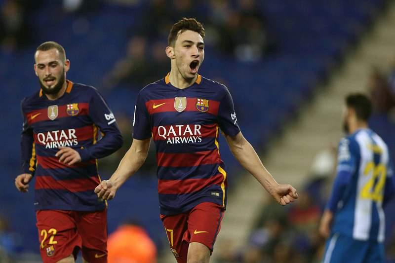 Munir celebra um dos golos do Barcelona contra o Espanyol