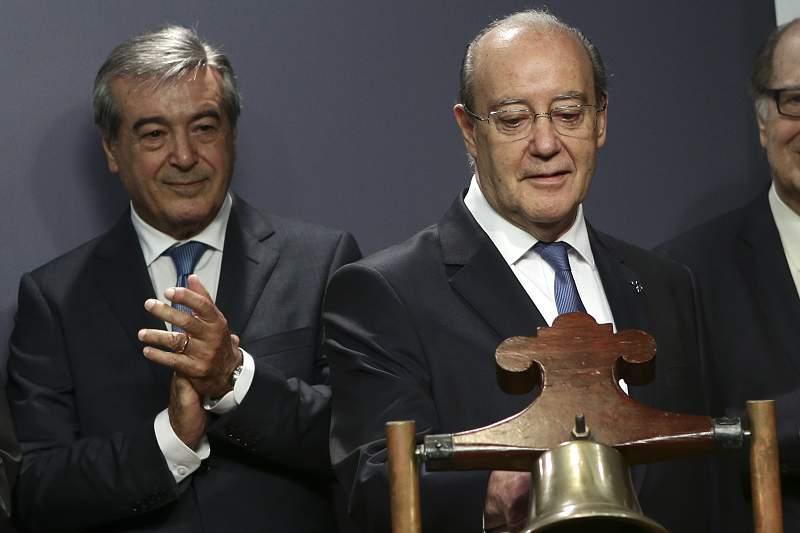 Pinto da Costa com Fernando numa visita à banca de Lisboa