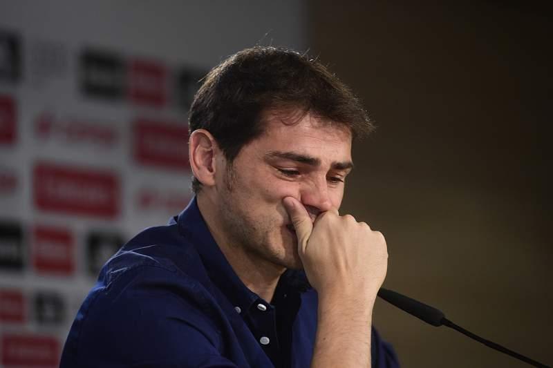 Casillas despede-se em lágrimas