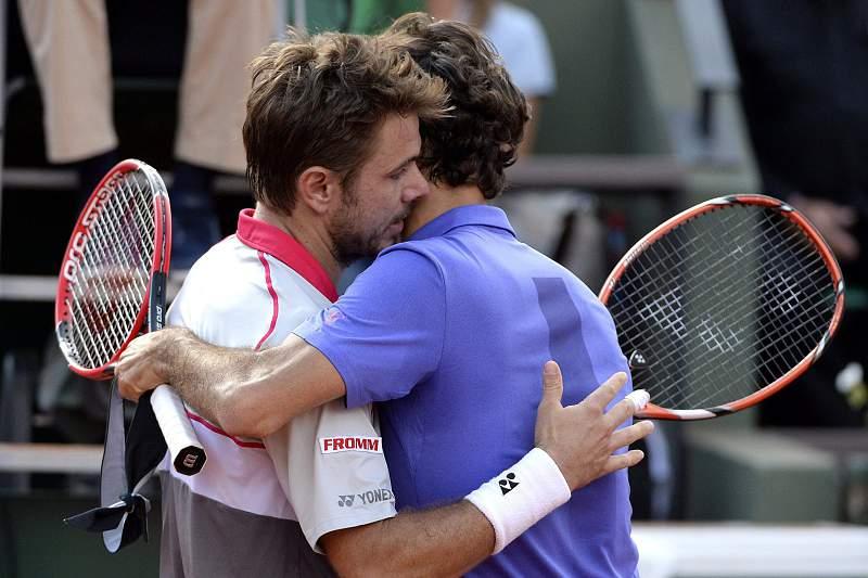 Wawrinka abraça Roger Federer