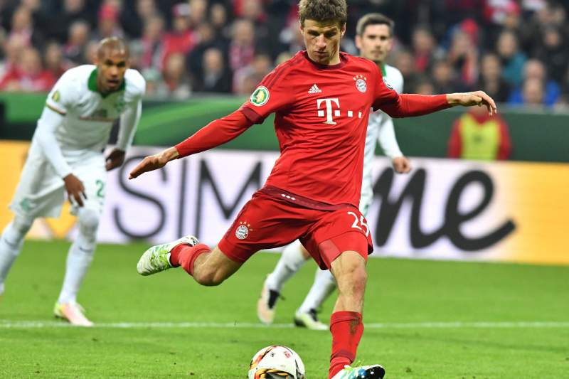Thomas Mueller no banco do Bayern