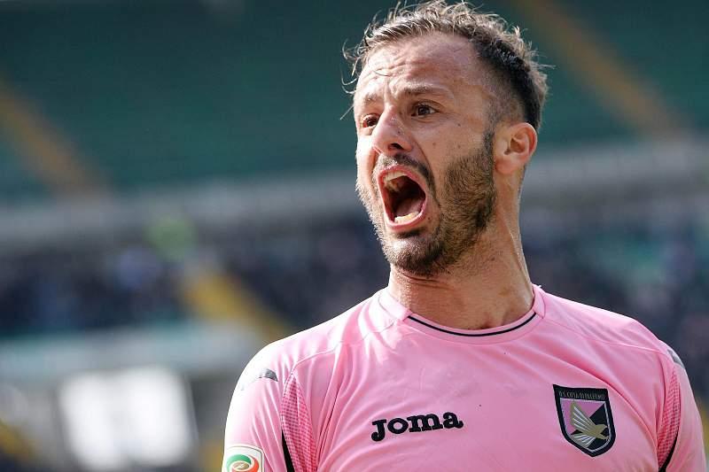 Alberto Gilardino celebra um golo ao serviço do Palermo