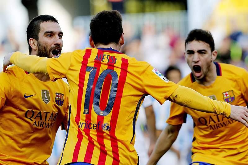 Messi, Munir e Arda Turan festejam golo pelo Barcelona