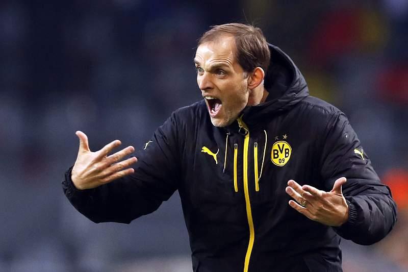 Thomas Tuchel dá indicações durante o jogo entre Mónaco e Borussia Dortmund