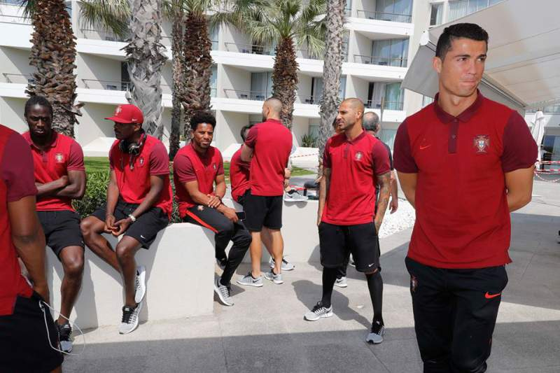 Ronaldo e os colegas em momento de descontração em Marselha
