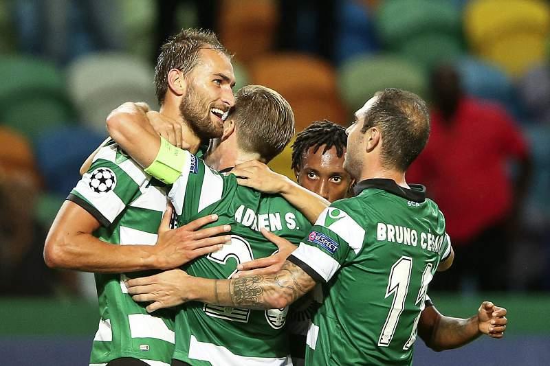 Sporting festeja golo frente ao Legia