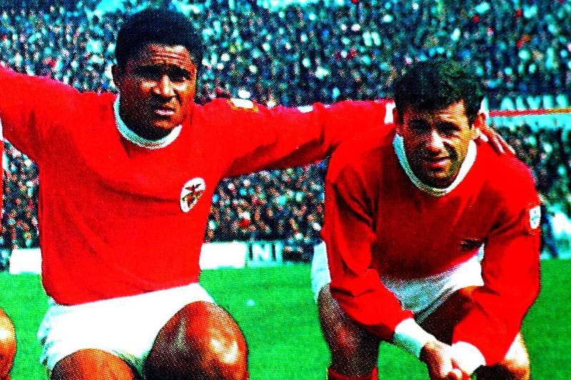 José Augusto com José Torres, Eusébio e Simões no Benfica