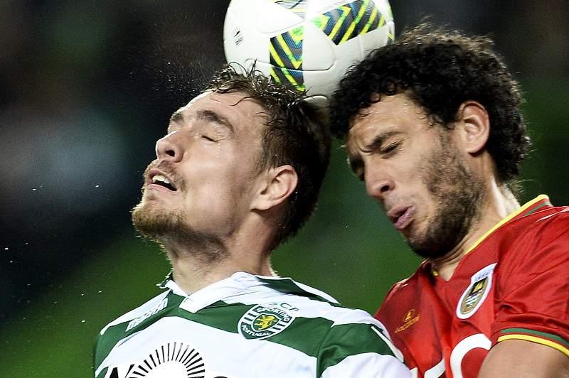 Sebastián Coates em ação pelo Sporting contra o Rio Ave